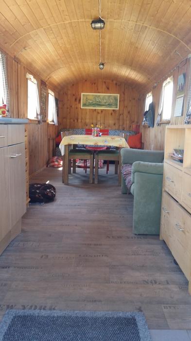 altersweide dietlingen das paradies f r pferdesenioren bauwagen aufenthaltsraum. Black Bedroom Furniture Sets. Home Design Ideas